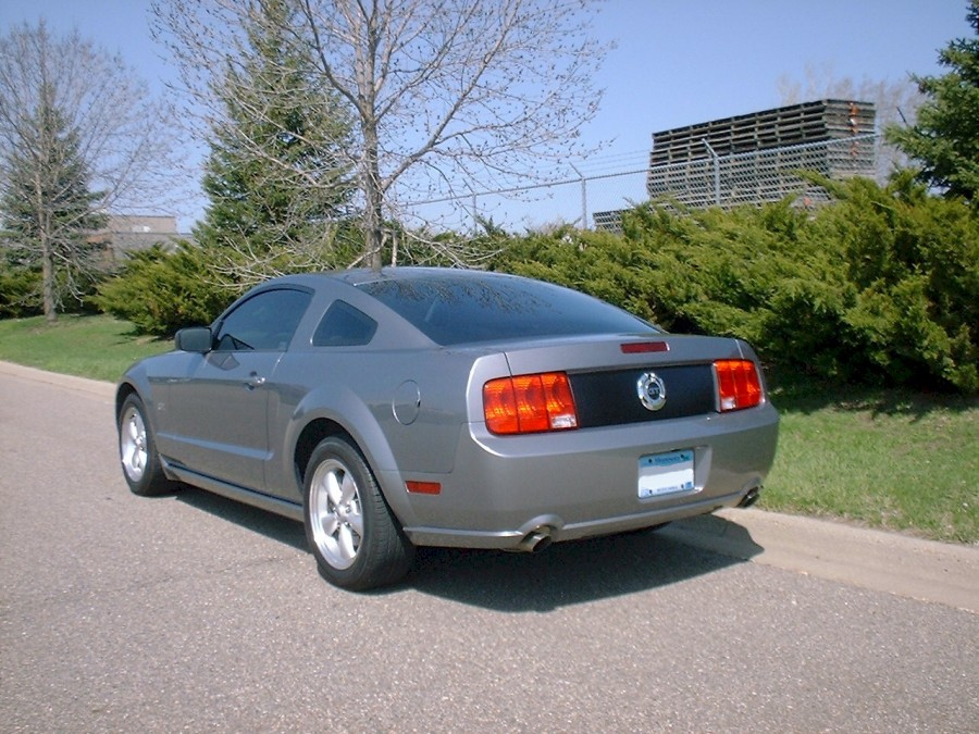 Tungsten Gray 2007 Mustang GT Coupe