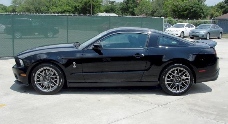 Black 11 Shelby GT-500
