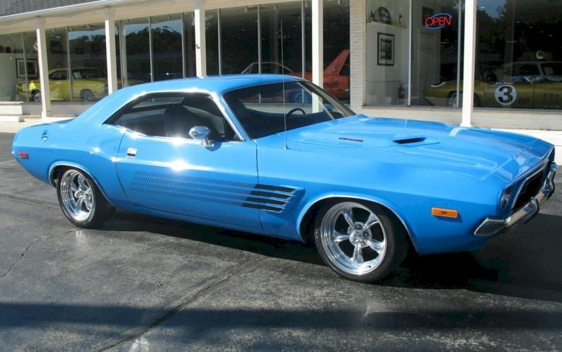 Blue Streak 1972 Chrysler Dodge Challenger