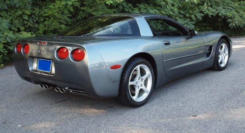 Medium Spiral Gray 2004 GM Chevrolet Corvette
