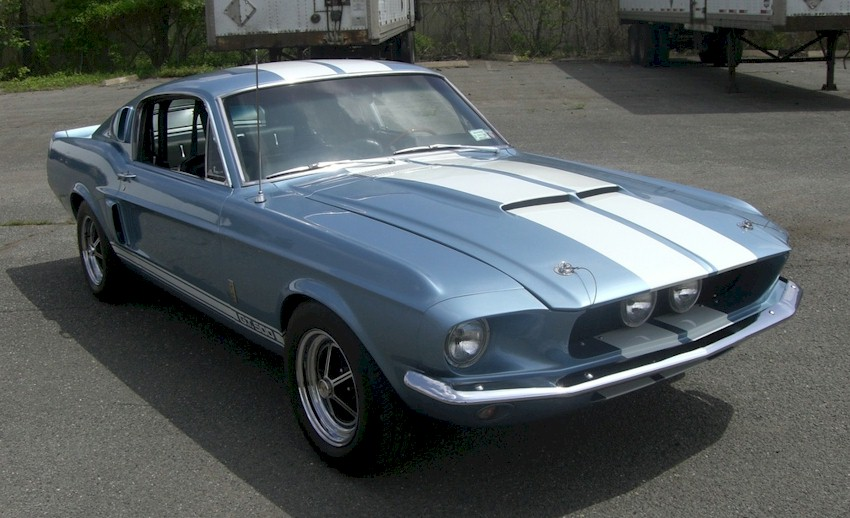 Blue Shelby GT-500