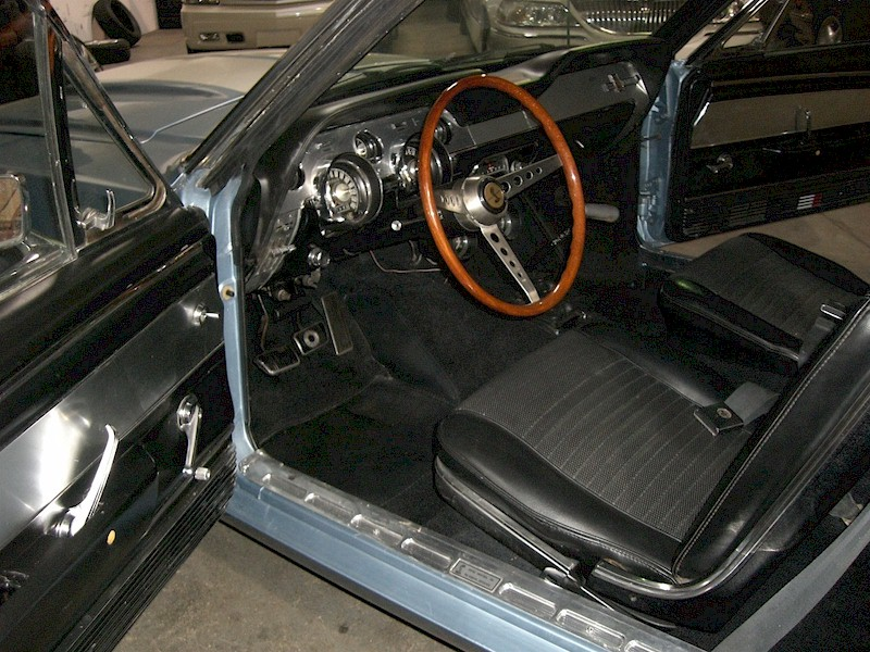 Shelby GT-500 Interior