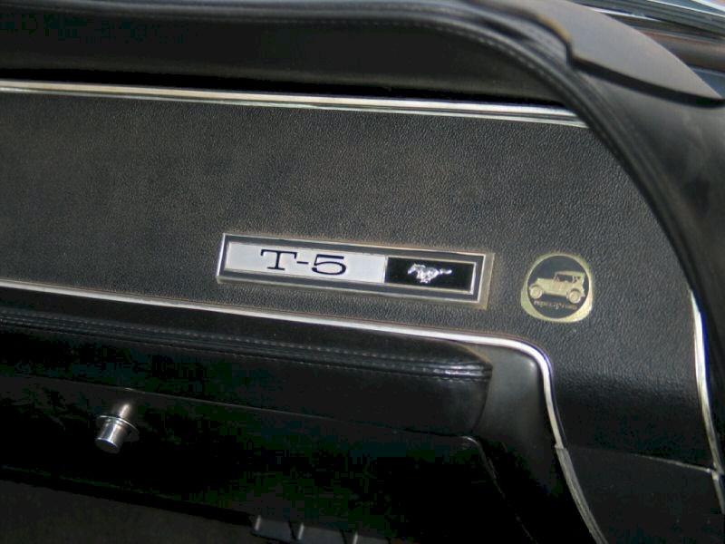 1967 T-5 Mustang Emblem