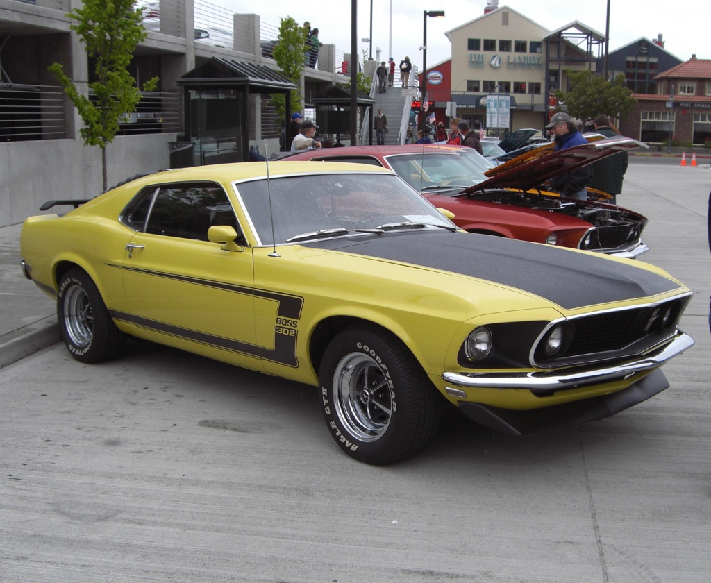 Grabber yellow 1969 mustang boss 302 fastback
