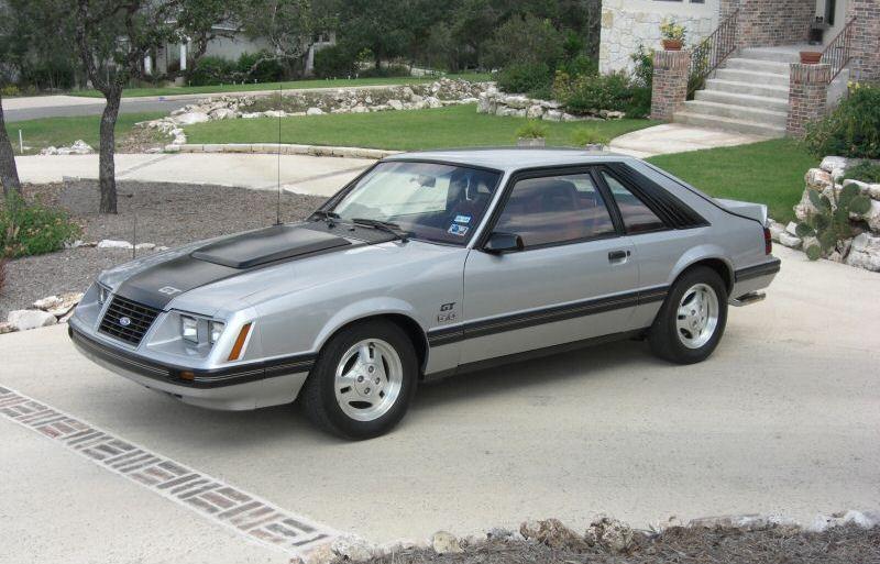 silver 1983 ford mustang gt hatchback photo detail. Black Bedroom Furniture Sets. Home Design Ideas