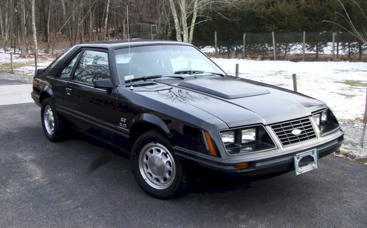 black 1983 ford mustang gt hatchback photo detail. Black Bedroom Furniture Sets. Home Design Ideas