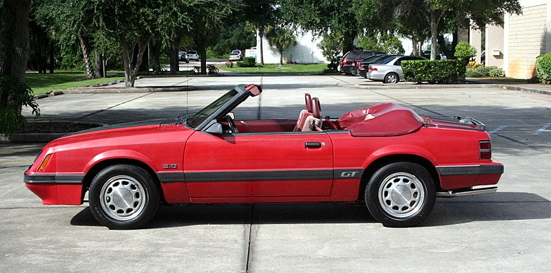 bright red 1986 ford mustang gt convertible photo detail. Black Bedroom Furniture Sets. Home Design Ideas