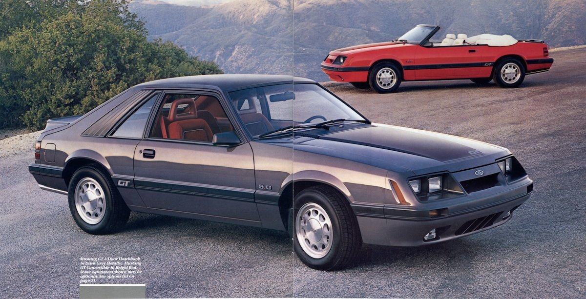 Page 4 & 5: 1986 Ford Mustang Promotional Brochure