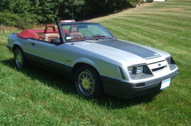 silver 1986 ford mustang gt convertible photo detail. Black Bedroom Furniture Sets. Home Design Ideas