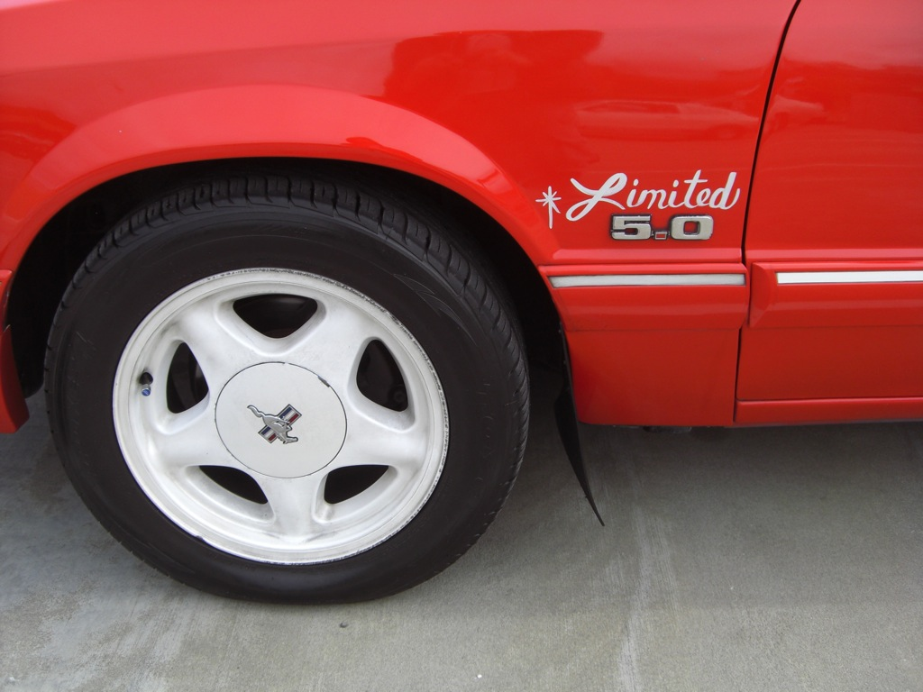1992 White Mustang sport wheels