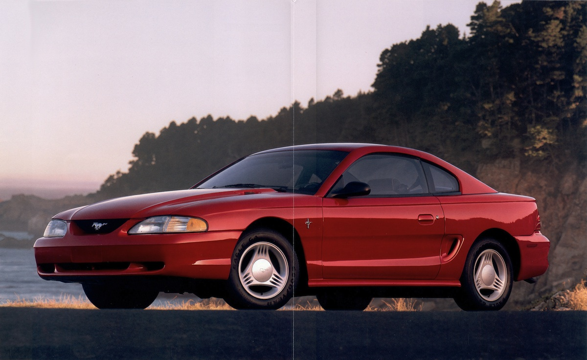 Page 4 & 5: 1994 Ford Mustang Promotional Brochure