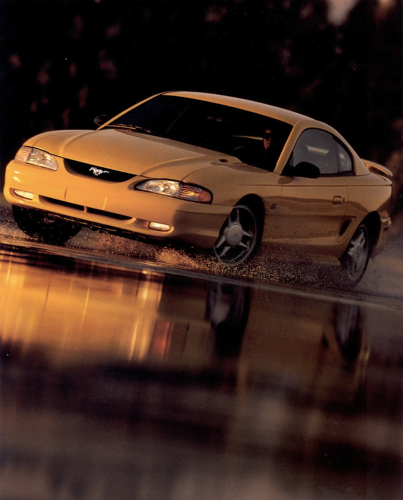 Page 21: 1994 Ford Mustang Promotional Brochure