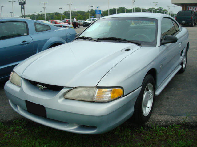 Opal Frost 1995 Mustang V6 Coupe