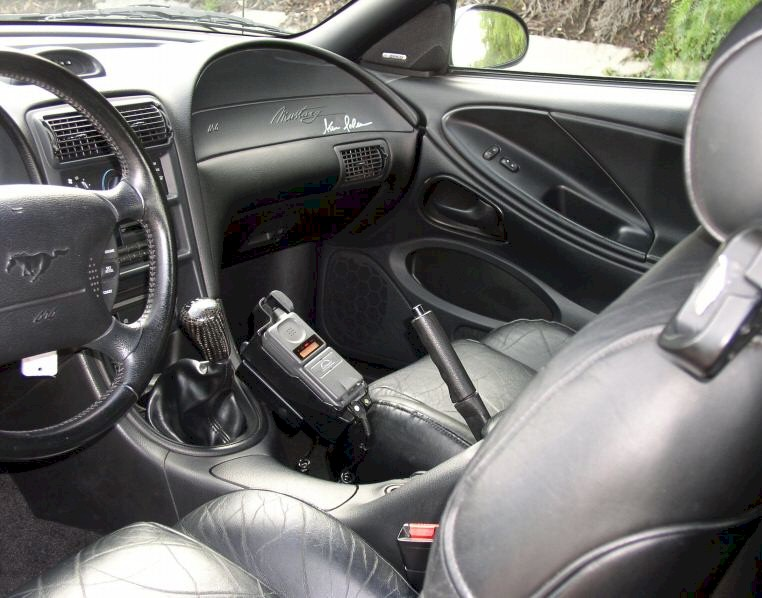 Removing 1996 Ford Mustang Interior