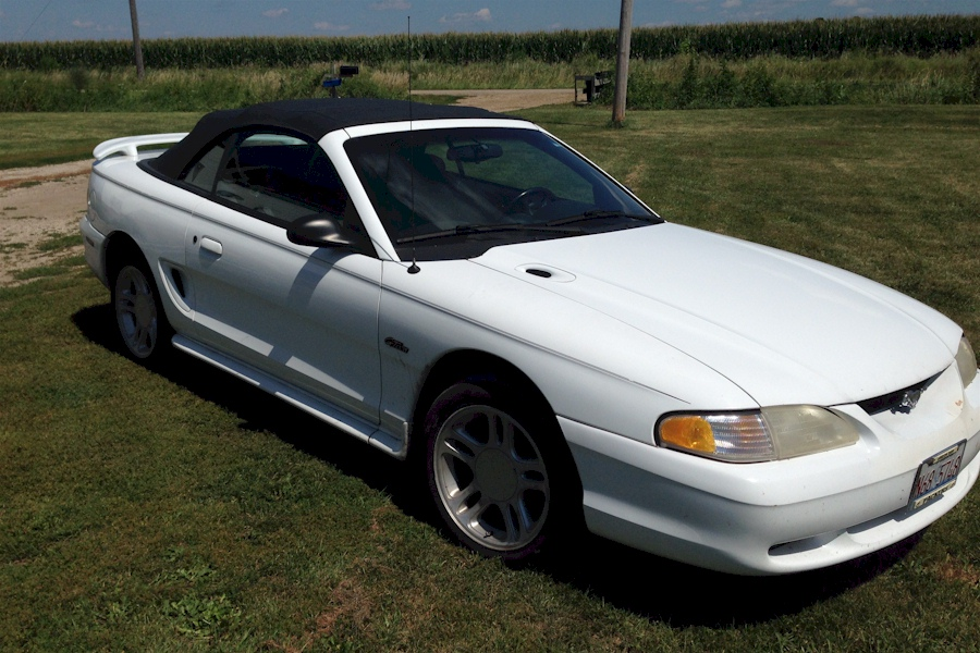 Crystal White 1996 Mustang GT Convertible