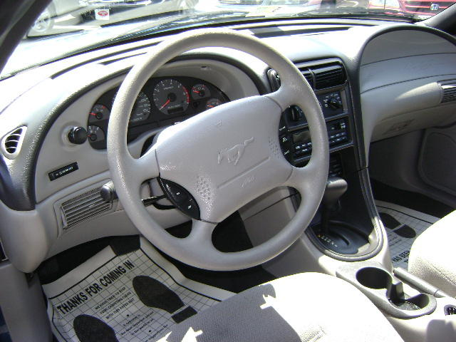 Dash 1999 Mustang Coupe