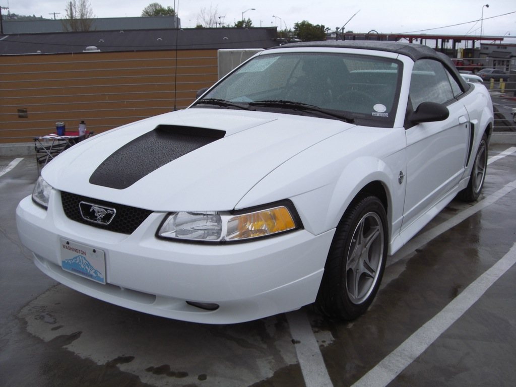 Crystal White 1999 Mustang GT 35th Anniversary Limited Edition Convertible