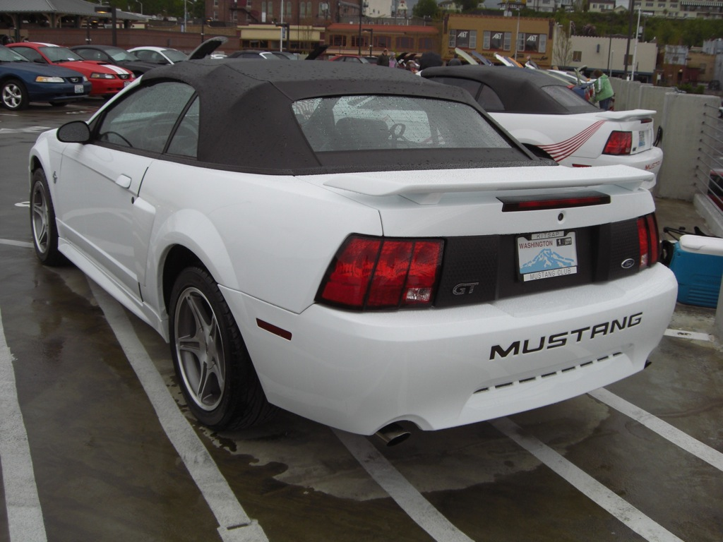 Delicieux Crystal White 99 Mustang GT 35th Anniversary Limited Edition Convertible