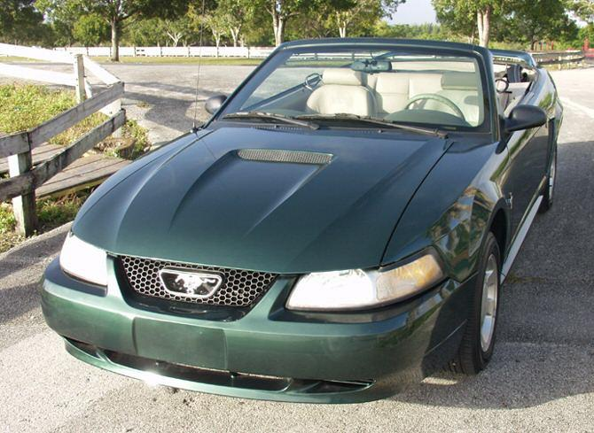 Amazon Tropic Green 2000 Mustang Convertible