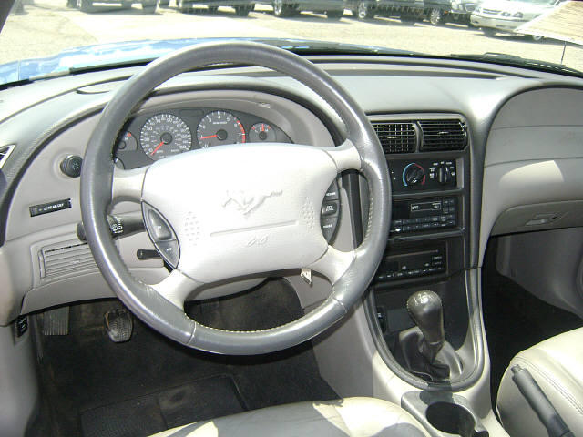 Dash 2000 Mustang Gt Coupe