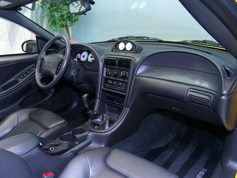 2000 En Dash