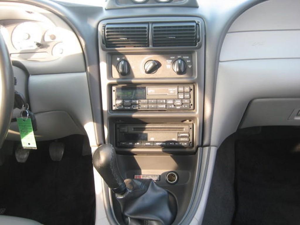 Dash 2000 En S281 Mustang Coupe