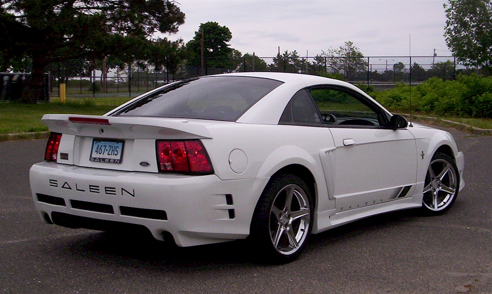 oxford white 2001 saleen s281sc ford mustang coupe photo detail. Black Bedroom Furniture Sets. Home Design Ideas