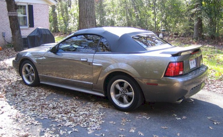 Convertible Ford - Mustang Gray 2001 Mineral Mustangattitude Gt