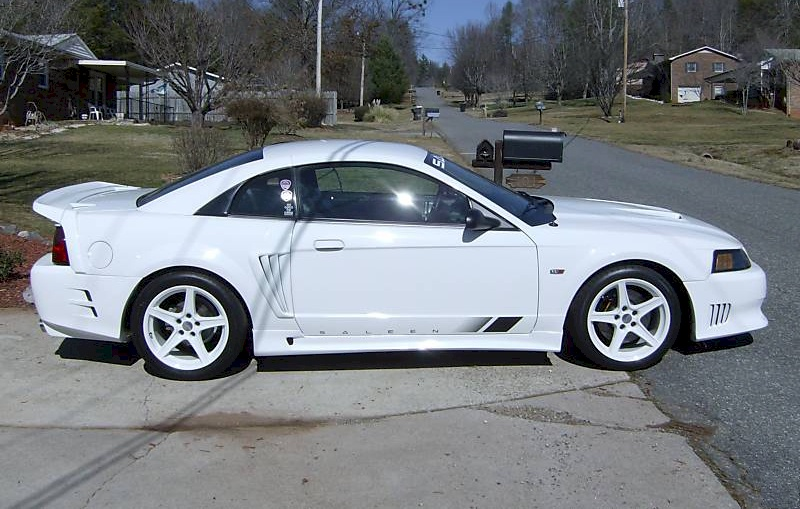 oxford white 2002 saleen s281 sc ford mustang coupe photo detail. Black Bedroom Furniture Sets. Home Design Ideas