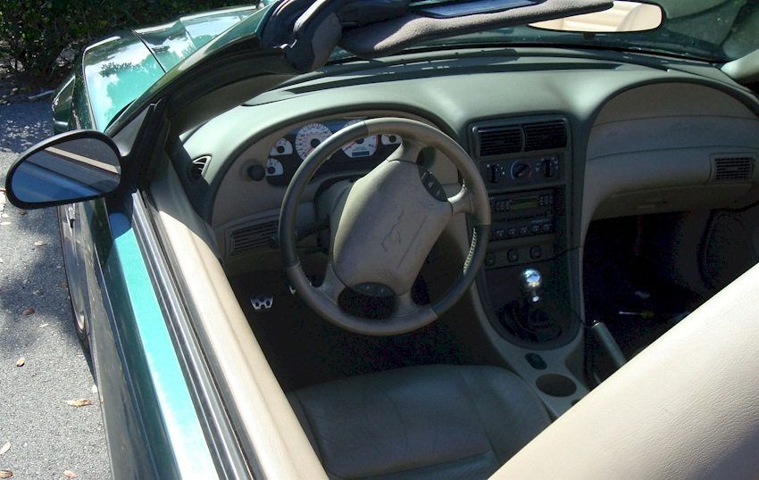 Wtb light tan drivers door panel 99 04 for 05 mustang door panel leather