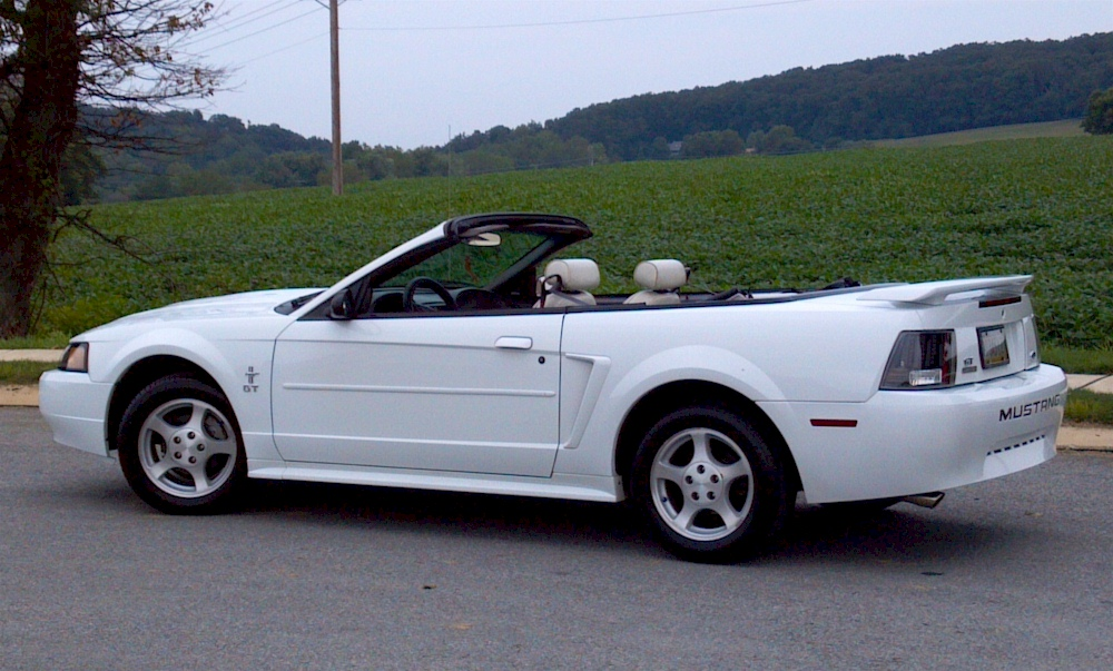 oxford white 2003 ford mustang convertible. Black Bedroom Furniture Sets. Home Design Ideas