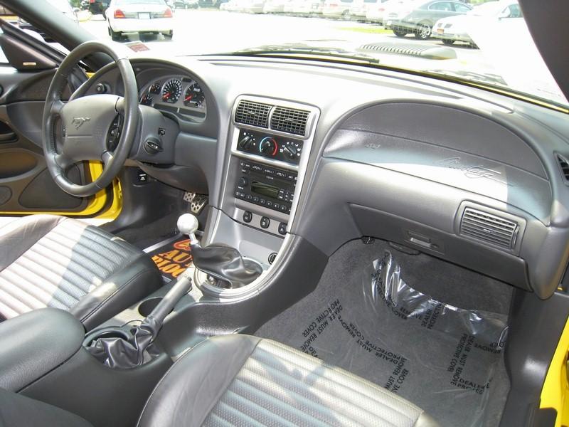 Superb 2004 Mach 1 Mustang Interior