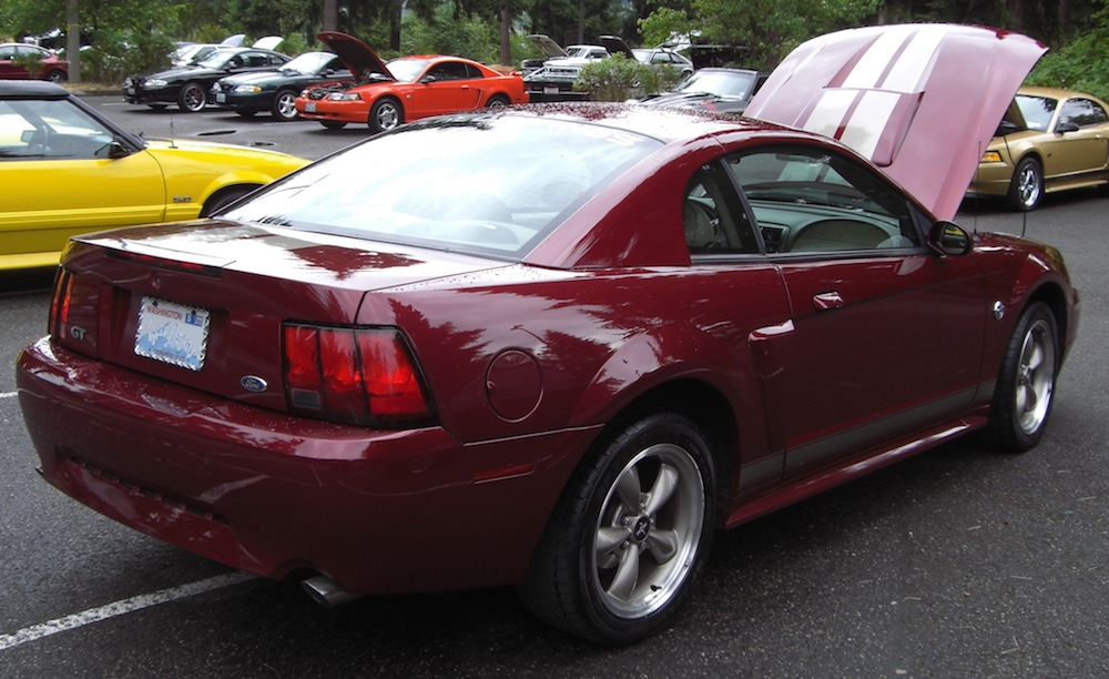 2004 mustang gt anniversary edition