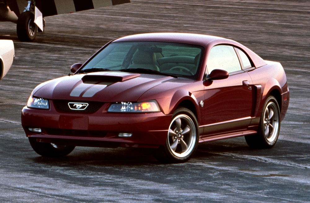 crimson red 2004 ford mustang 40th anniversary edition coupe photo detail. Black Bedroom Furniture Sets. Home Design Ideas