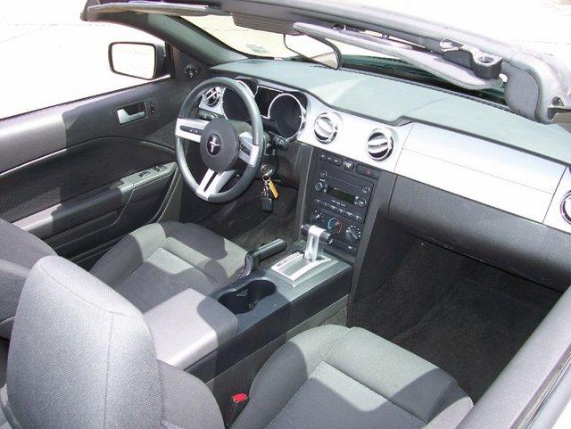 Image Gallery 2005 Mustang Interior
