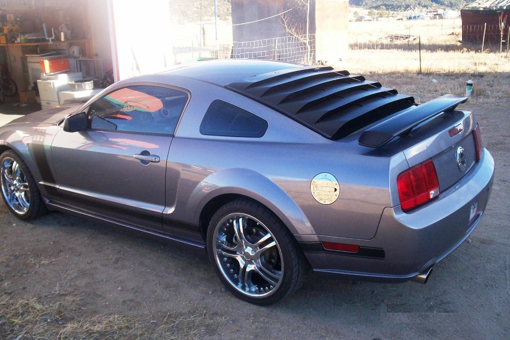 Tungsten gray 2006 ford mustang gt custom coupe for 06 mustang rear window louvers