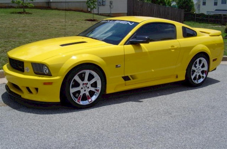 Screaming Yellow 2006 Mustang Saleen S281 Extreme Coupe