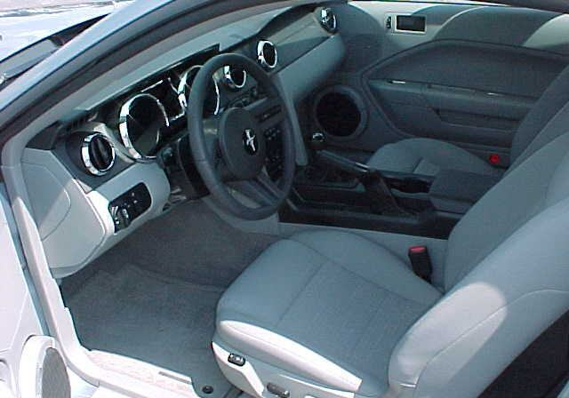 2007 Windveil Blue Mustang Interior