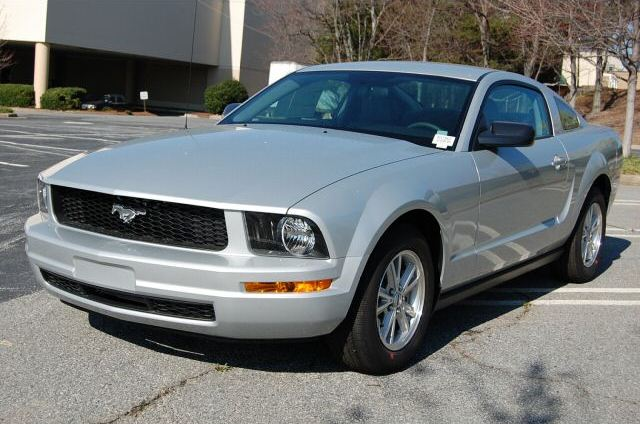 silver 2008 ford mustang coupe photo. Black Bedroom Furniture Sets. Home Design Ideas