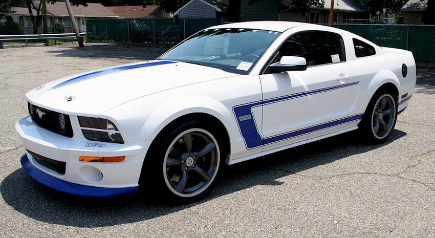performance white 2008 saleen dan gurney signature edition ford mustang coupe mustangattitude. Black Bedroom Furniture Sets. Home Design Ideas
