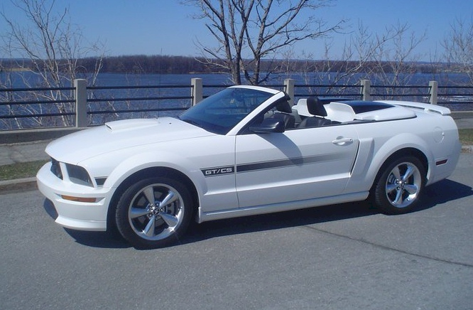 performance white 2009 ford mustang gt california special convertible. Black Bedroom Furniture Sets. Home Design Ideas
