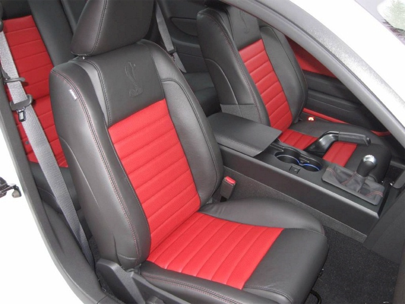2009 Shelby GT-500 Red Stripe Seats