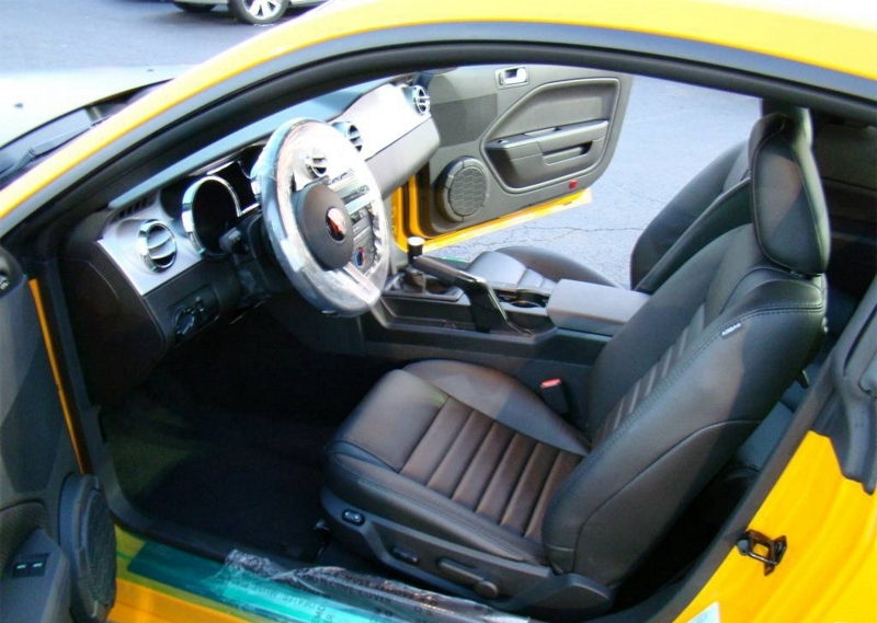 Black Interior 2009 Saleen Racecraft 420S Mustang Coupe