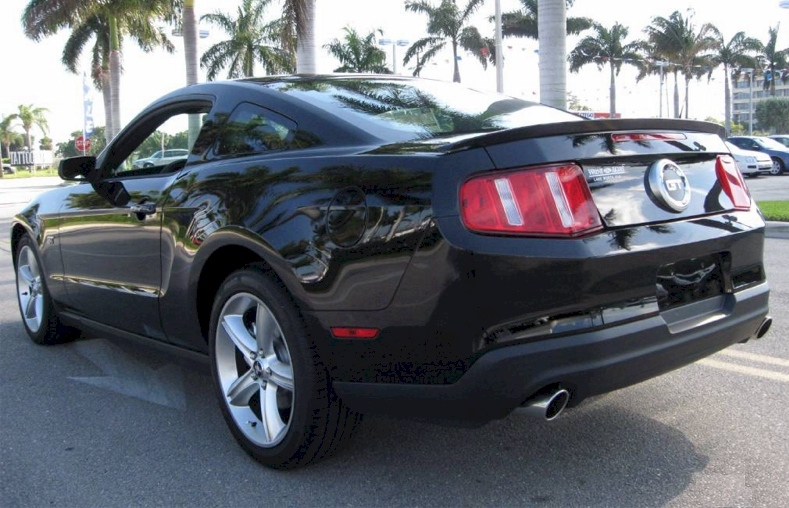 Black 2010 Mustang GT Coupe