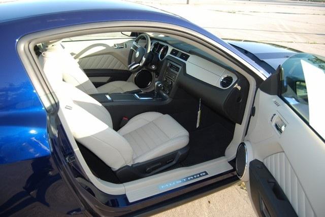 Kona Blue 2010 Ford Mustang Coupe Mustangattitude Com Photo Detail