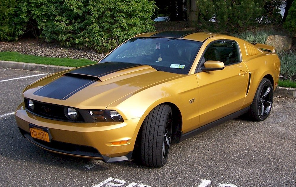 Sunset Gold 2010 Mustang Gt