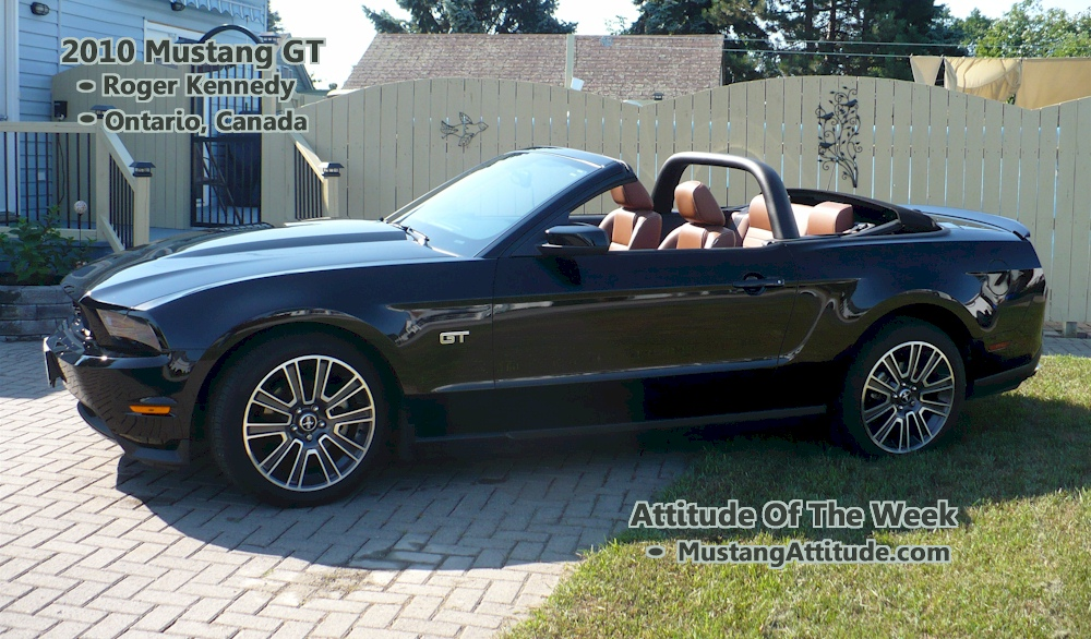 black 2010 ford mustang gt convertible photo detail. Black Bedroom Furniture Sets. Home Design Ideas