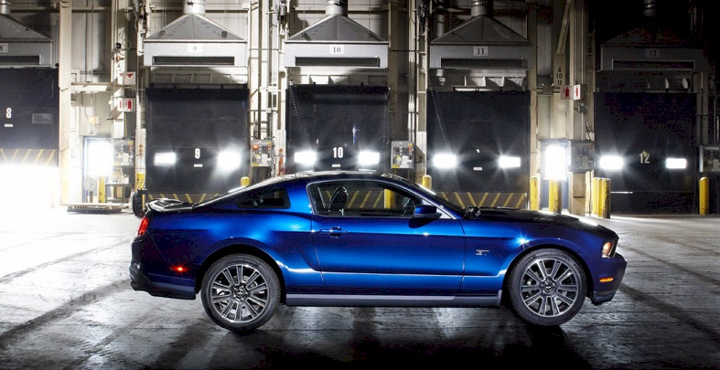 Kona Blue 2010 Mustang GT Coupe