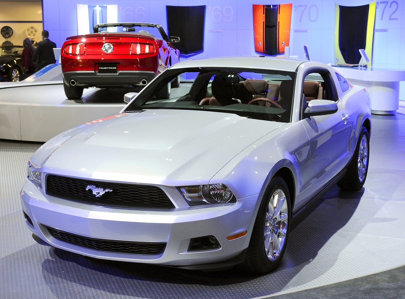 2010 Brilliant Silver Mustang V6 Coupe