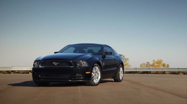 2013 Black Ford Mustang